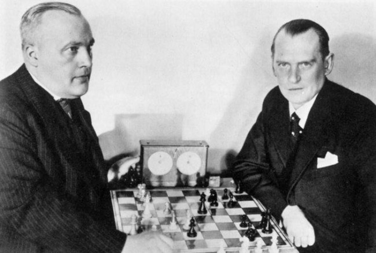 Bogoljubov vs Alekhine (Hastings 1922)
